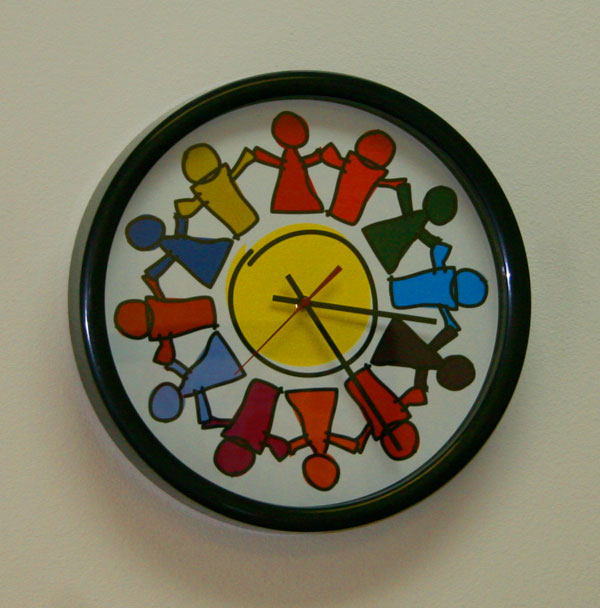 circle of friends clock